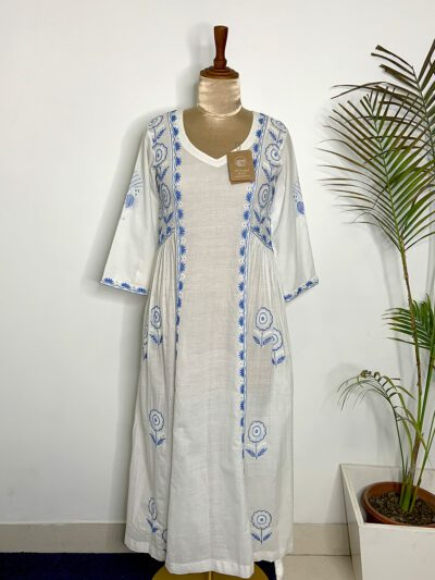 WHITE TUNIC DRESS WITH BLUE EMBROIDERY