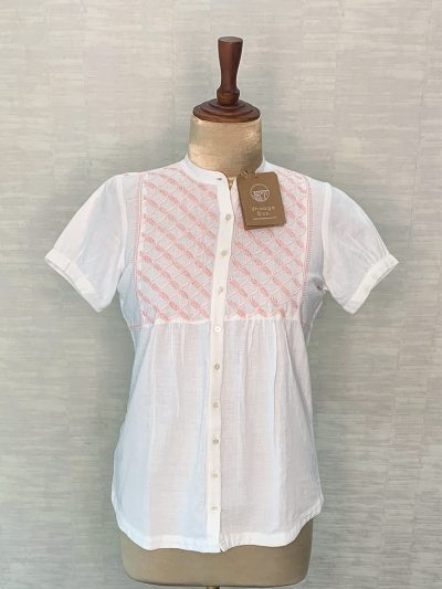 PEACH EMBROIDERED TOP WITH PUFF SLEEVES