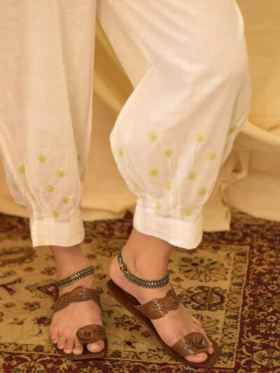 WHITE LINEN PANTS WITH GREEN EMBROIDERY