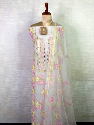 WHITE ORGANZA KURTA AND DUPATTA WITH FLORAL EMBROIDERY