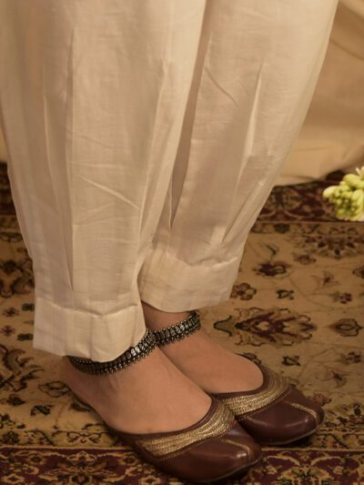 WHITE LINEN PANTS WITH POCKETS