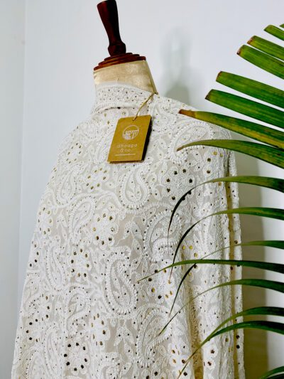 WHITE GEORGETTE DUPATTA WITH PAISLEYS