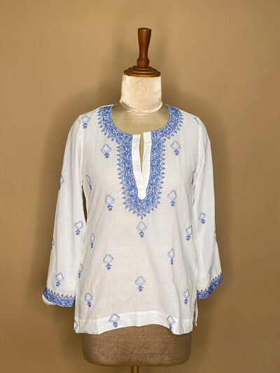WHITE EMBROIDERED MUSLIN TOP WITH FULL SLEEVES